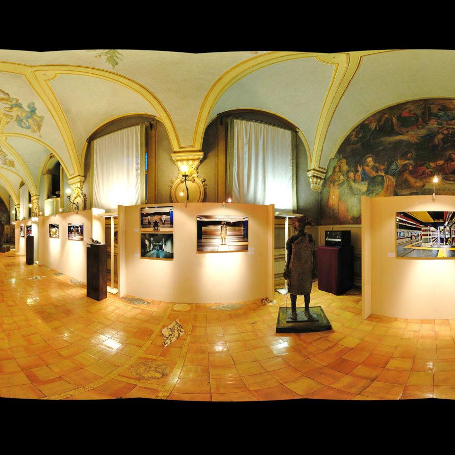 Mostra Personale alla Camera dei Deputati, Palazzo di Montecitorio, insieme a gli scatti fotografici di Nicoletta Padula, Roma, 2009. Courtesy Associazione Fabula in Art.