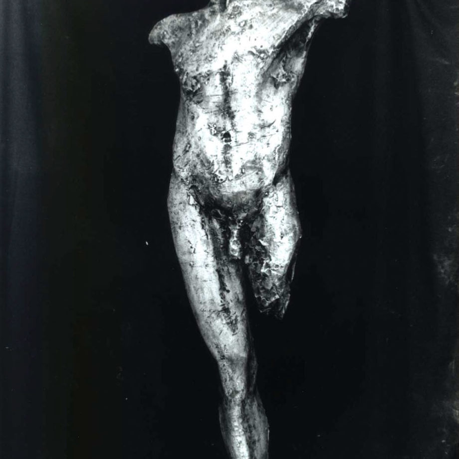 In volo, un'opera giovanile eseguita durante gli studi presso l'Accademia di Carrara.