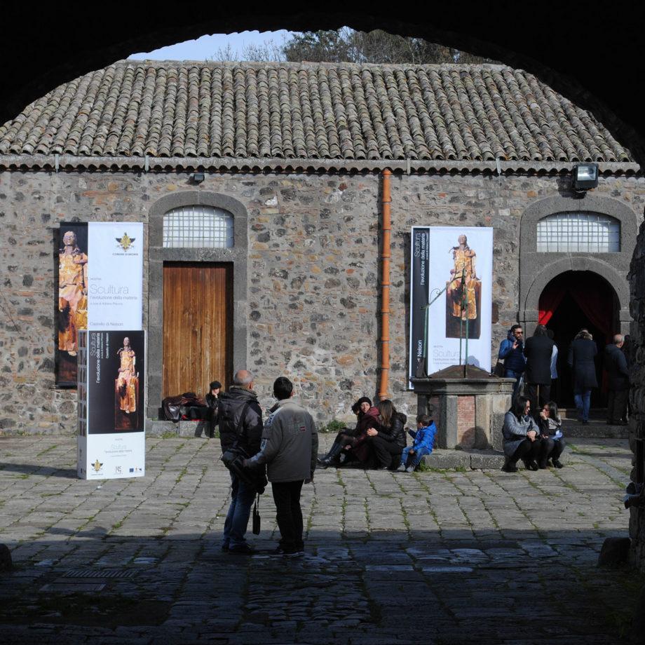 """Inaugurazione della mostra-conferenza """"L'evoluzione della materia"""" presso il Castello di Nelson, Catania, 2015"""